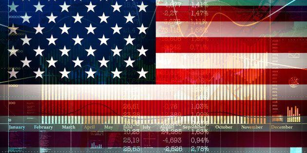 La balance commerciale ne nous informe que d'un côté des échanges entre les pays, à savoir que nous importons davantage que nous exportons, ce qui signifie que l'on envoie des dollars à l'étranger.