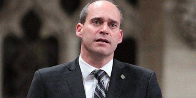 En lice pour représenter le NPD, Guy Caron obtient un troisième appui au