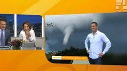 Fou rire de ces deux présentateurs devant ce drôle de nuage...