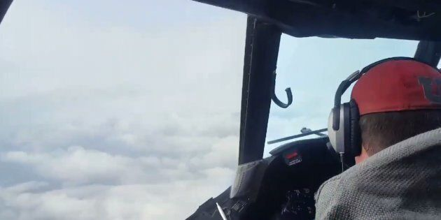 Un avion qui traverse l'ouragan Harvey, ça ressemble à