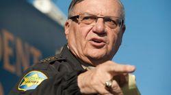 Donald Trump gracie l'ex-shérif Joe Arpaio, et le conseiller Sebastian Gorka quitte la
