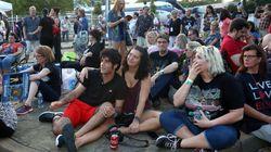 Des admirateurs d'Elvis se rassemblent pour le 40e anniversaire de sa