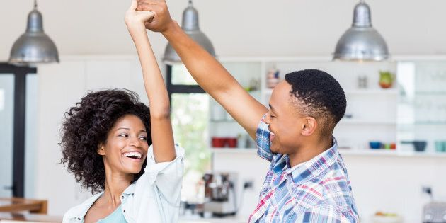 Il faut l'accord des deux partenaires, mais n'oublions jamais que chacun a le pouvoir d'initier l'autre... un pas à la fois.