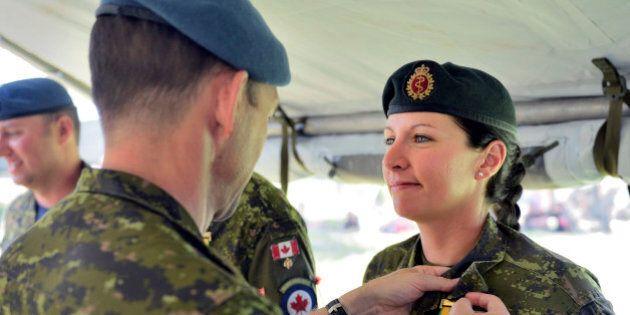 Recrutement de femmes: l'armée rate sa
