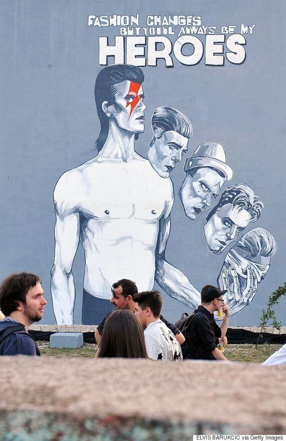 Sarajevo rend hommage à David Bowie par une peinture murale