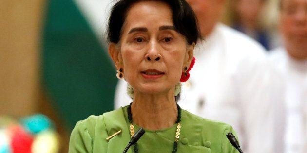 Si le gouvernement birman refuse d'agir, le Canada doit revoir ses relations bilatérales avec la Birmanie,...