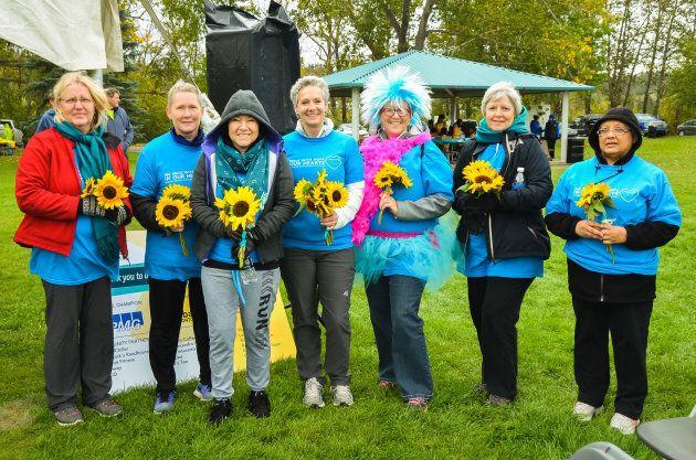 Des « sœurs turquoise » à la Randonnée de l'espoir de Cancer de l'ovaire Canada de