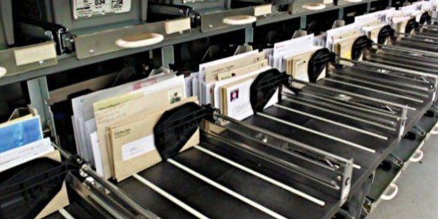 Postes Canada retient plus de 10 000 lettres et colis pour la