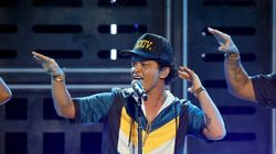 Bruno Mars deux fois plutôt qu'une à