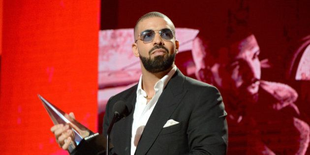 LOS ANGELES, CA - NOVEMBER 20:  Recording artist Drake accepts the Favorite Artist (Rap/Hip-Hop) award onstage at the 2016 American Music Awards at Microsoft Theater on November 20, 2016 in Los Angeles, California.  (Photo by Kevin Mazur/AMA2016/WireImage)
