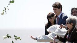 Justin Trudeau ému au parc de la Mémoire de Buenos