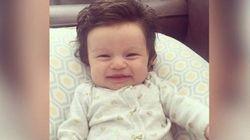 Ce bébé a une chevelure plus fournie que