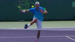 Le coup dingue (et non-valable) d'un joueur de tennis