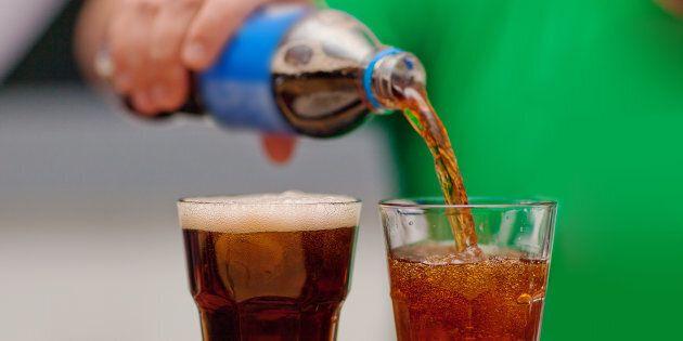 Au Québec, 20% des enfants, un adolescent sur quatre et près d'un adulte sur cinq consomment des boissons...
