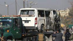 Kaboul: un minibus officiel