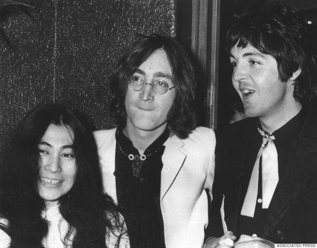 Une lettre de John Lennon très furieux contre Paul McCartney est
