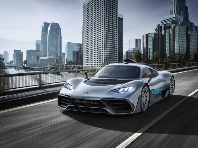 Showcar Mercedes-AMG Project ONE, zweisitziger Supersportwagen-mit modernster und effizientester Formel...