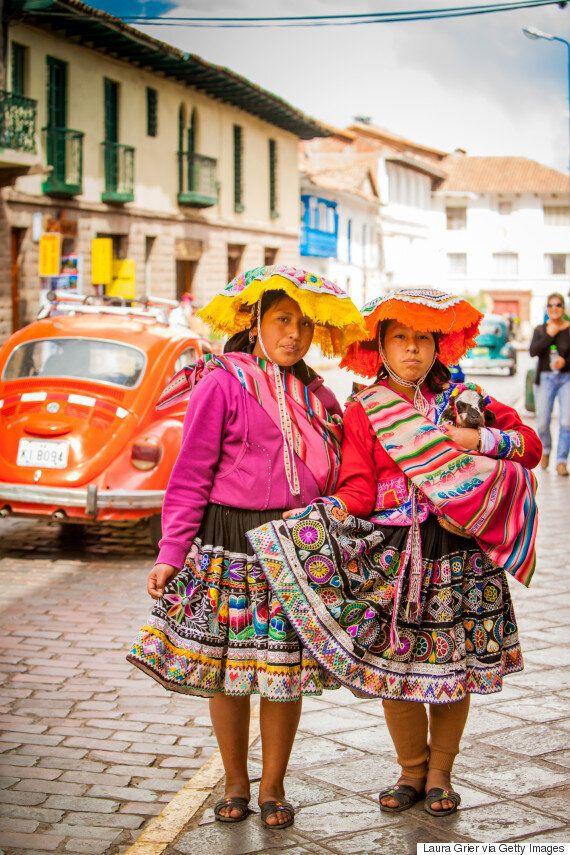 La mode « cholita » des indigènes de Bolivie à la conquête du