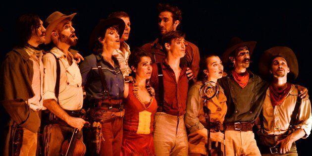 «Saloon»: les cowboys du Cirque Éloize accrochent leurs chapeaux à