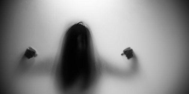 Vous est-il déjà venu à l'esprit que certaines femmes puissent être réticentes à porter plainte contre leur agresseur ou à aller chercher des services auxquels elles ont droit parce qu'elles ont peur d'être jugées ou discriminées?