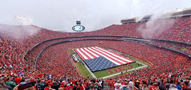 Voici quelques manières dont les gens manquent de respect envers le drapeau américain selon le code du