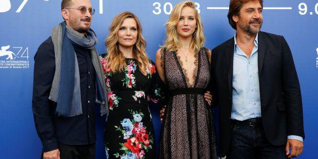 Le réalisateur Darren Aronofsky en compagnie des acteurs Javier Bardem, Jennifer Lawrence et Michelle...
