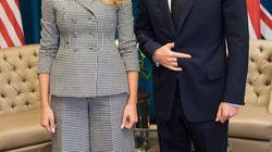 Les experts en langage corporel expliquent la pose étrange de Prince Harry avec Melania