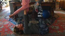 Sophie Grégoire Trudeau enseigne le yoga à sa