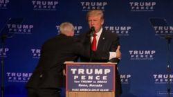 Trump évacué de la scène au