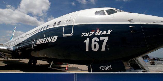 Montage photo: Boeing 737 MAX et Bombardier