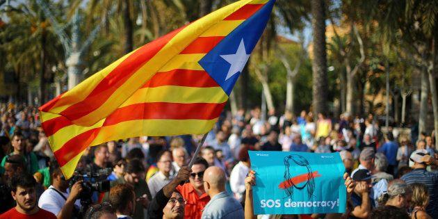 Le statut librement décidé par le peuple catalan était le nouveau statut d'autonomie voté en référendum...