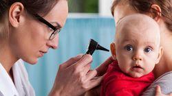 Ce bébé entend sa mère pour la première fois, son sourire est