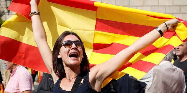 Des milliers de manifestants en Espagne pour défendre l'unité du