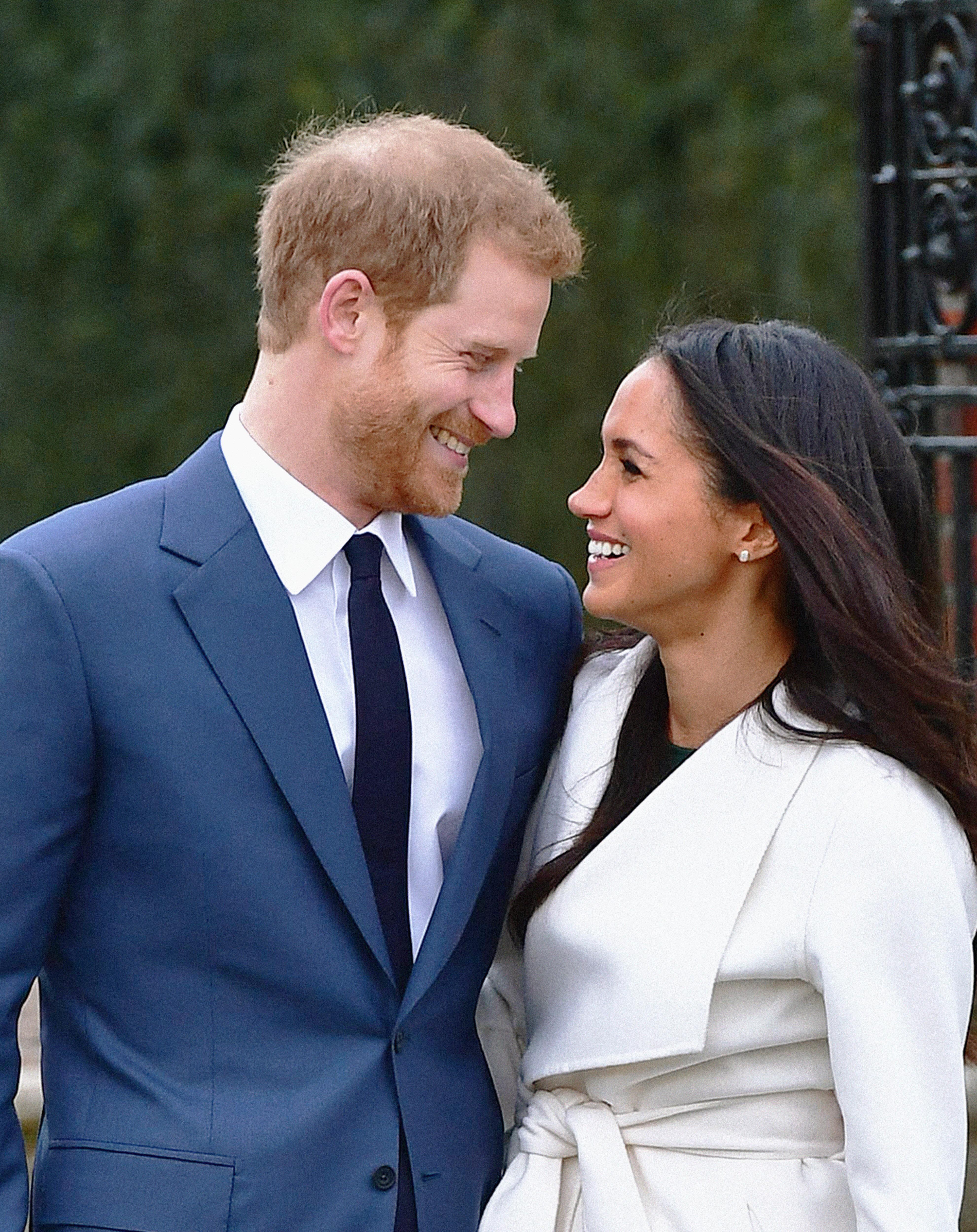 Μέγκαν Μαρκλ: Διάσημοι και φίλοι του ζευγαριού τους εύχονται για το βασιλικό