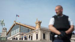 Attaque au couteau à Marseille: deux jeunes femmes