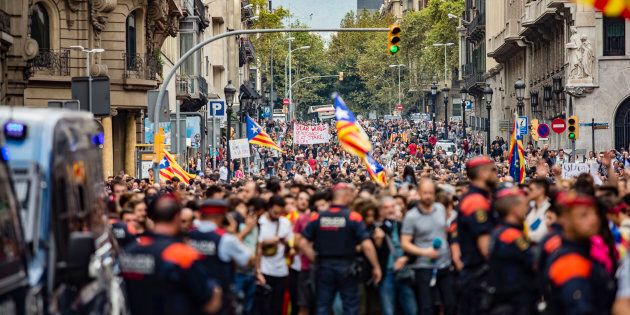 Le chef du gouvernement espagnol doit répondre de ces mesures coercitives et brutales envers sa