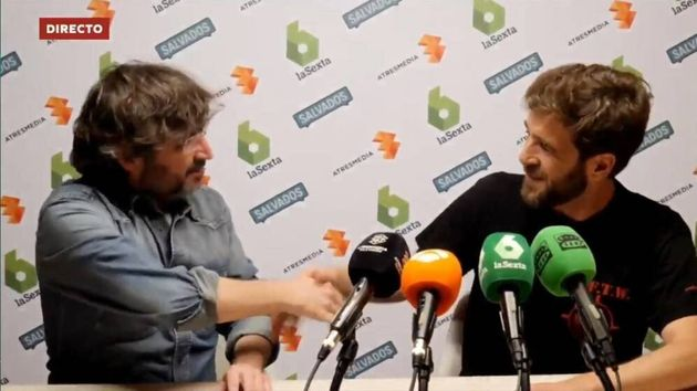 Cachondeo por cómo aparecieron Jordi Évole y Gonzo en 'Al Rojo Vivo': Ferreras no daba