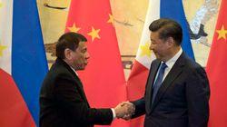 Le président philippin concrétise son spectaculaire revirement