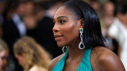 Serena Williams conçoit un sac pour le mois de la sensibilisation à la violence