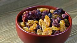 Des raisins secs imbibés de gin pour soigner