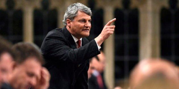 Deltell déplore l'absence de ministres québécois sur les dossiers