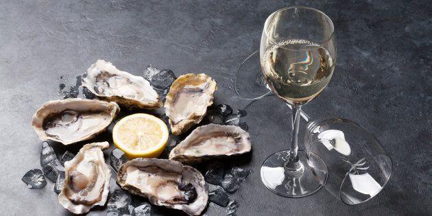 Manger des huîtres, les pieds dans l'eau, à Virginia