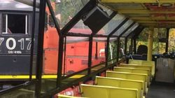 Autobus happé par un train au Vieux-Port : des images à donner froid dans le