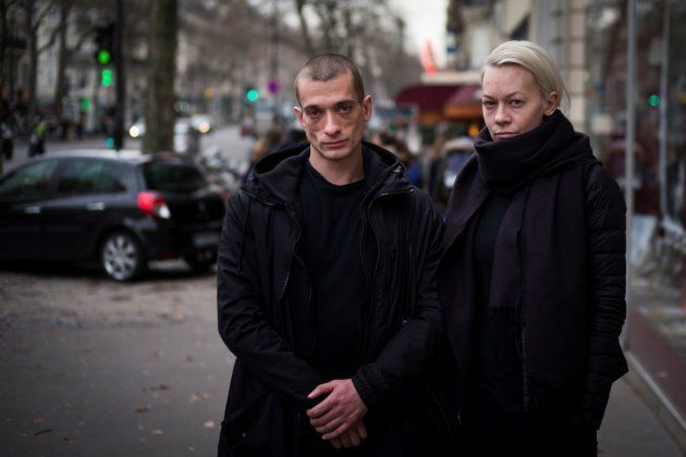 Piotr Pavlenski et sa femme Oksana Chaliguina à Paris, janvier