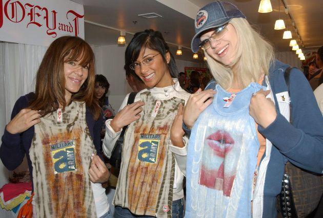 Robin Antin (à gauche) et Kaya Jones (à droite) réunies à l'époque des Pussycats Dolls en