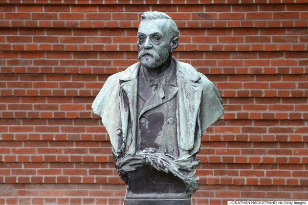 Le Nobel d'économie est remis à Hart et Holmström, spécialistes de la théorie du