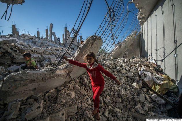 Syrie: le principal hôpital d'Alep encore bombardé, le régime toujours à