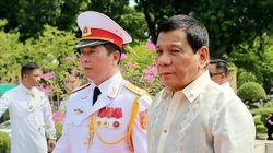 Le président philippin Rodrigo Duterte se compare à