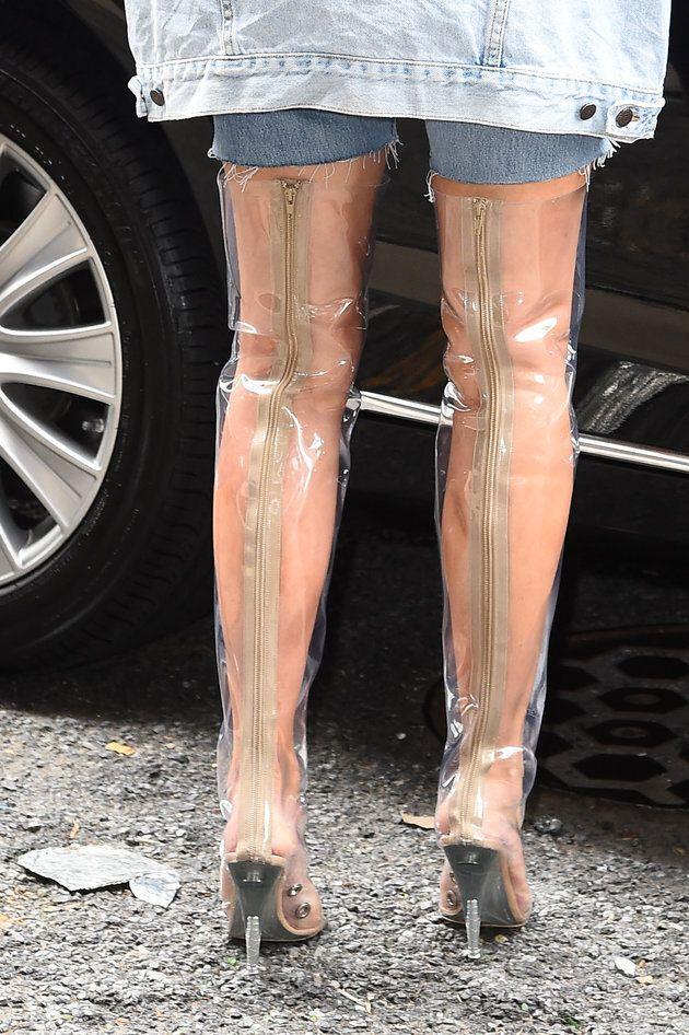 Les bottes de Kim retiennent