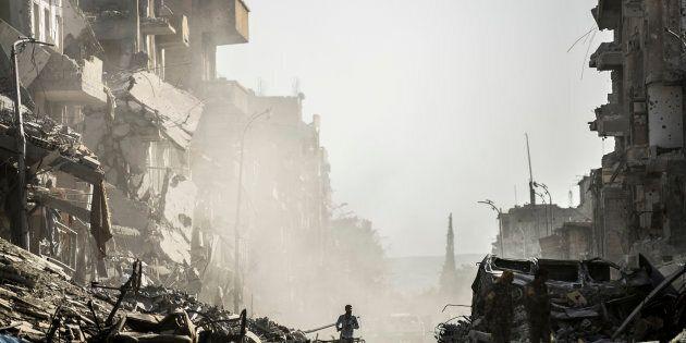 En pleine débâcle, l'État islamique accusé d'avoir exécuté une centaine de civils en